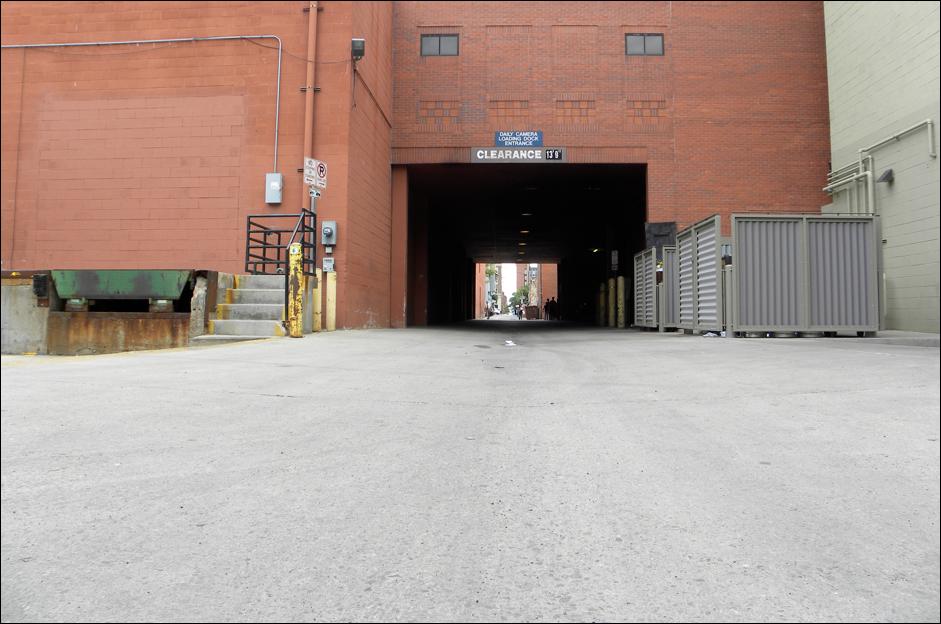 nikon p90 pic3 alleyway