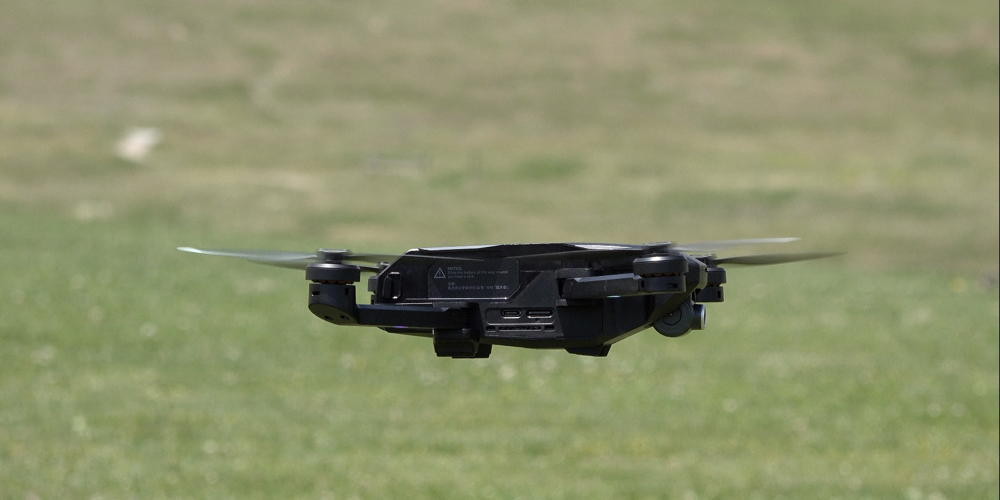 yuneec mantis q drone in flight
