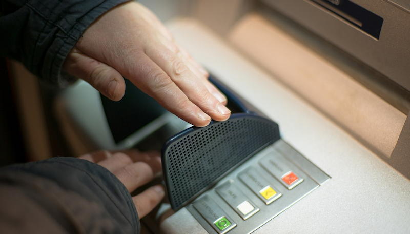 hide your ATM PIN number - don't share it - stock photo (pixabay)